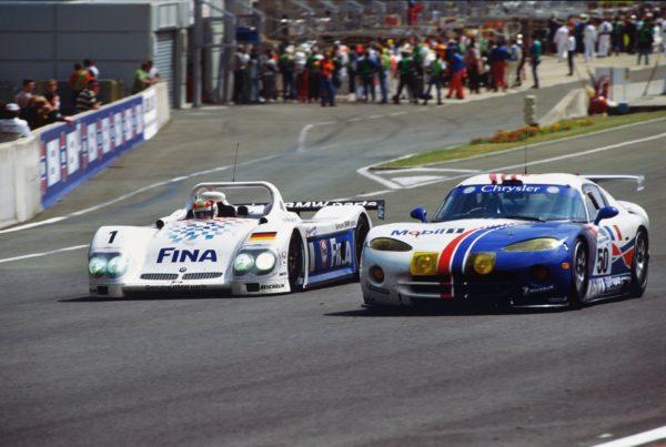 1998 BMW V12 LM